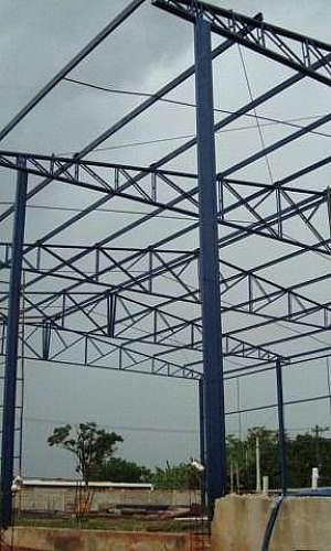 Cobertura com estrutura metálica