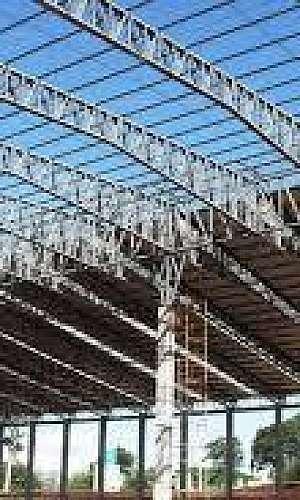 Estrutura metálica para obras