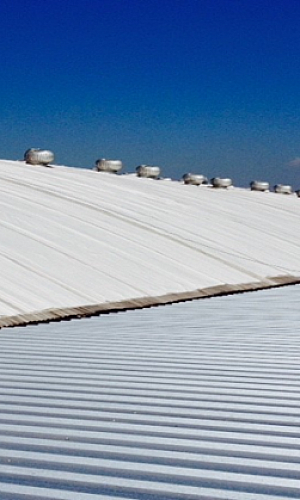 Membrana para telhado em cima da telha