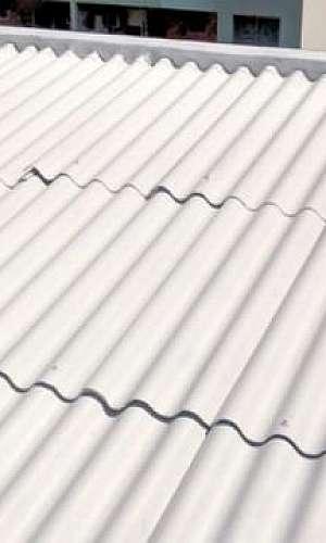 Reforma de telhado de fábrica