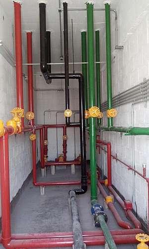 Serviço de instalação de barriletes