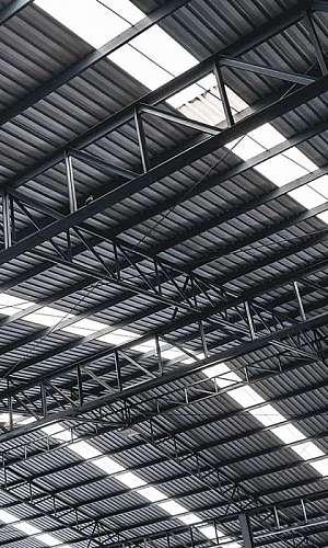 Serviço de instalação de telha trapezoidal