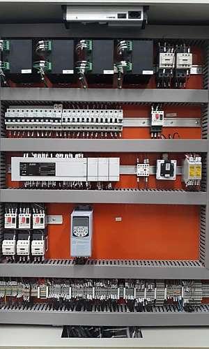 Serviços de instalação e manutenção elétrica