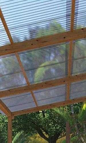 Telhado acrílico transparente
